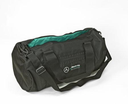Original Sport- und Freizeittasche von Mercedes AMG Petronas F1 | Heel Verlag